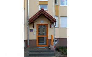 Drzwi zewnętrzne aluminiowe do bloku - Nowoczesny Dom Chodzież Ujska