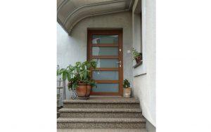 Drzwi zewnętrzne wejściowe - Nowoczesny Dom Chodzież Ujska